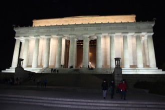 Going to the Lincoln Memorial at night was full of tranquility.